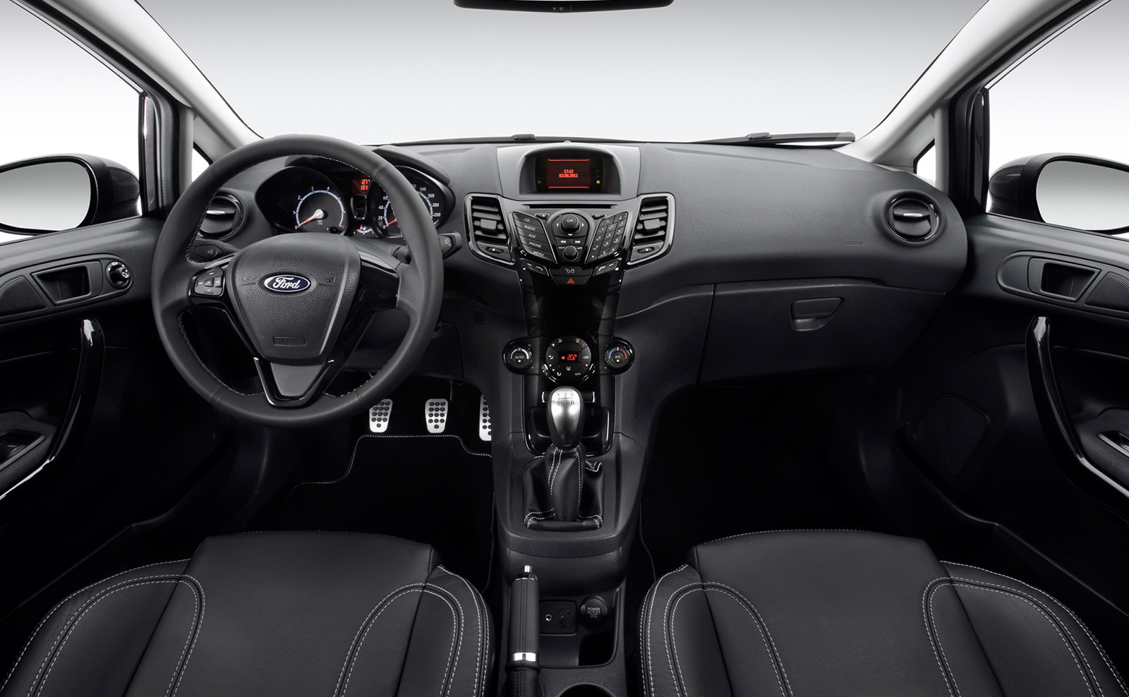 Форд основательно поведал про двигатели иоснащение новейшей Fiesta