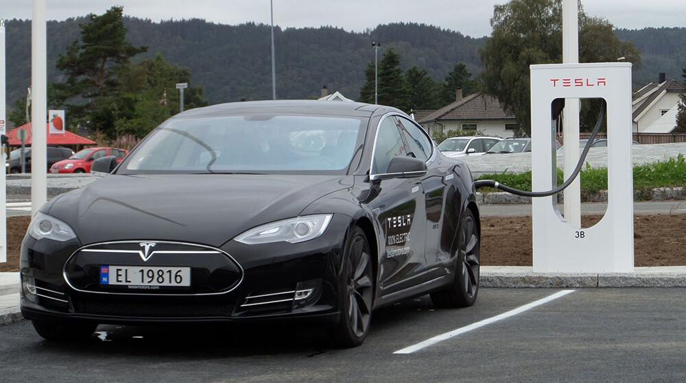 Тесла выплатит компенсации вНорвегии замедленный разгон электромобилей