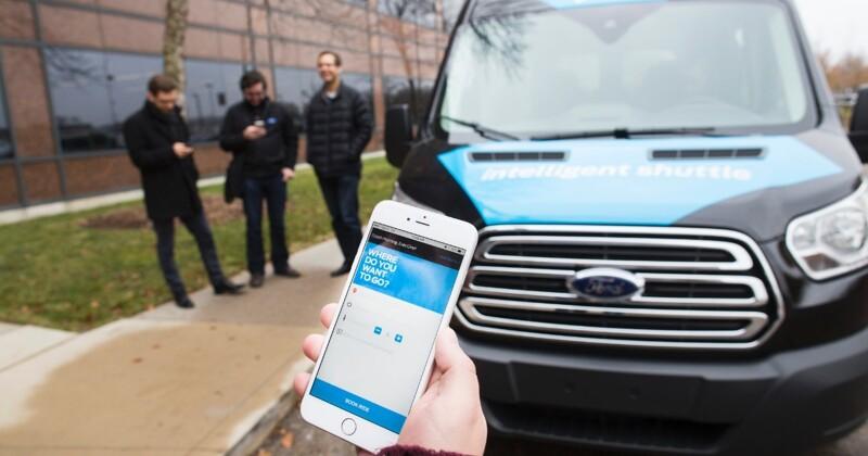 «Форд» научит автомобили шутить с водителями