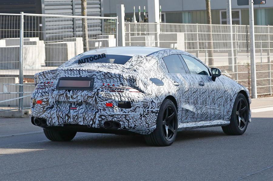 Mercedes готовит необычный и быстрый автомобиль
