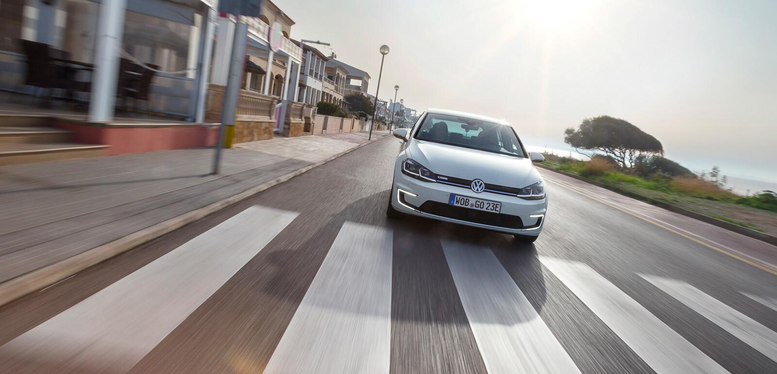 123000 02320bbacb2b79e23aa2bce76fbb99ac - Тест обновлённого Volkswagen Golf в 3 эпизодах
