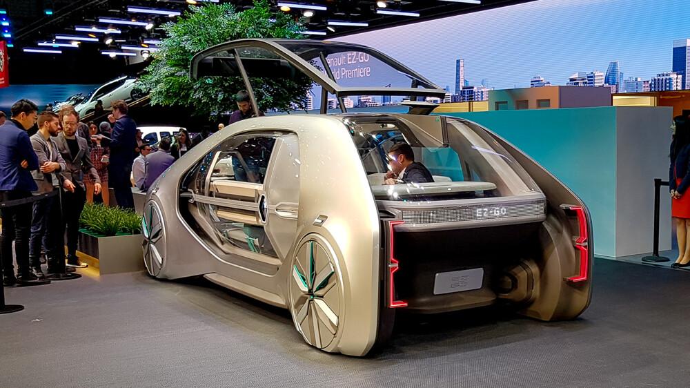 Рено привез вЖеневу автономное такси будущего влице концепта EZ-GO