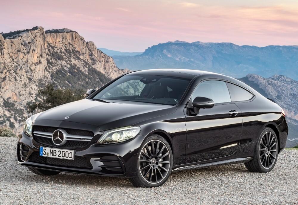 Вweb-сети интернет появилось официальное видео купе Mercedes-AMG C63 S