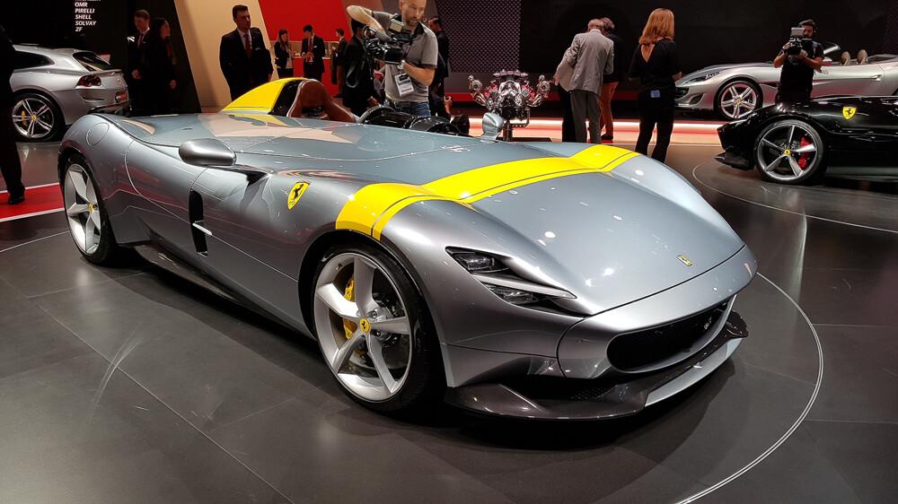 1000x0 - Ferrari в Париже — два невероятно крутых суперкара