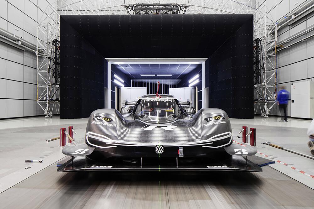 Фольксваген продемонстрировал автомобиль для нового рекорда Нюрбургринга