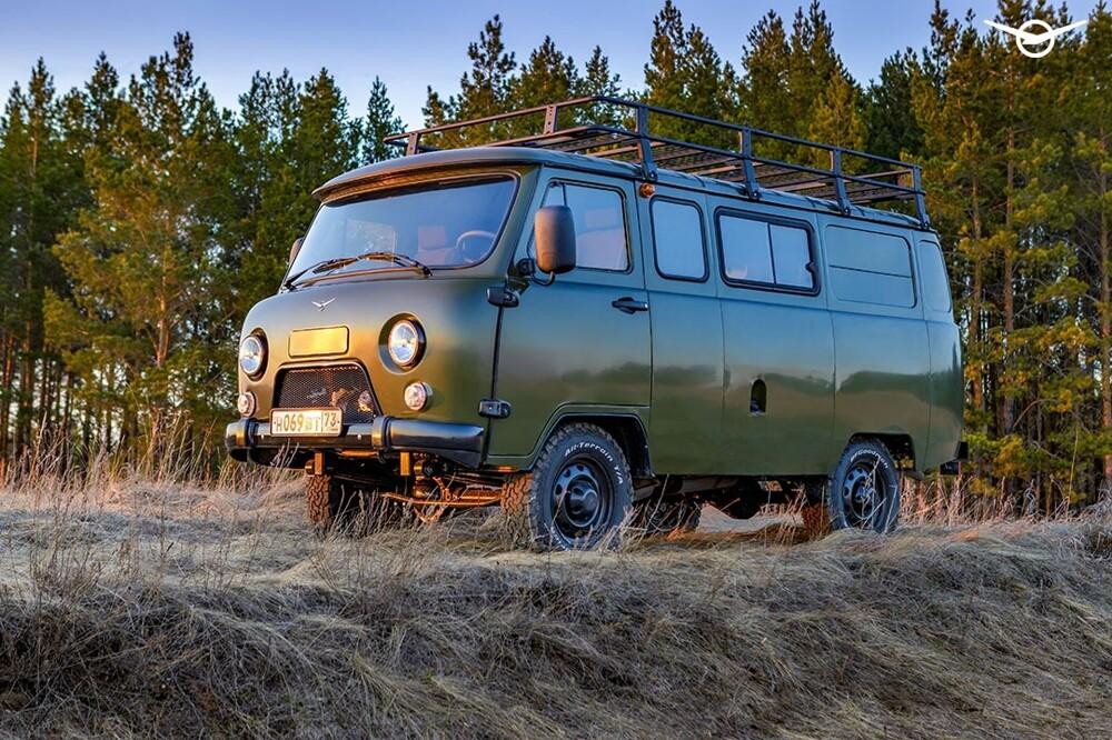 Названы рублевые цены икомплектации нового УАЗ «Буханка»