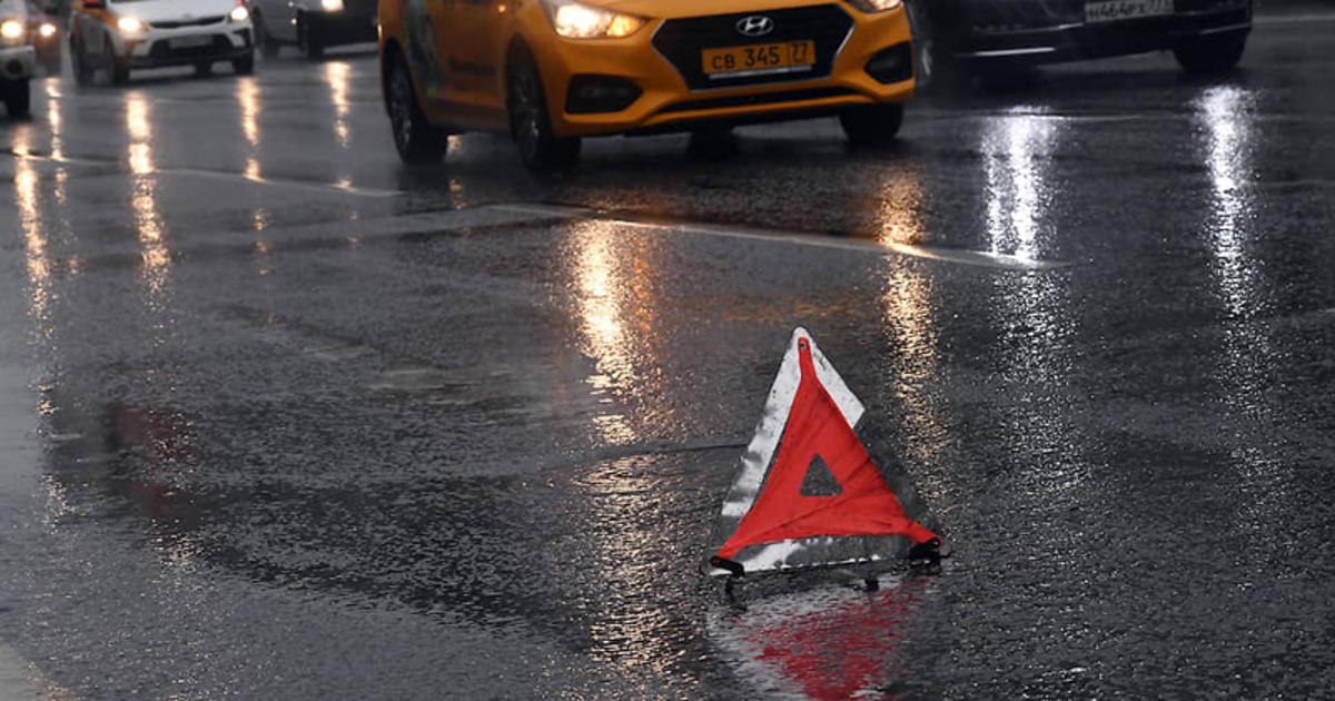 Водитель получил штраф за остановку из-за спустившей шины - автоновости
