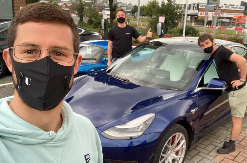 840x0 - Гонщик попробует побить мировой рекорд на Tesla Model 3 - автоновости
