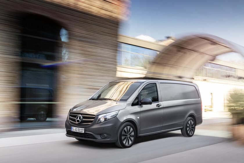 Benz отзывает в Российской Федерации  автомобили из-за рискованных  для пешеходов бамперов