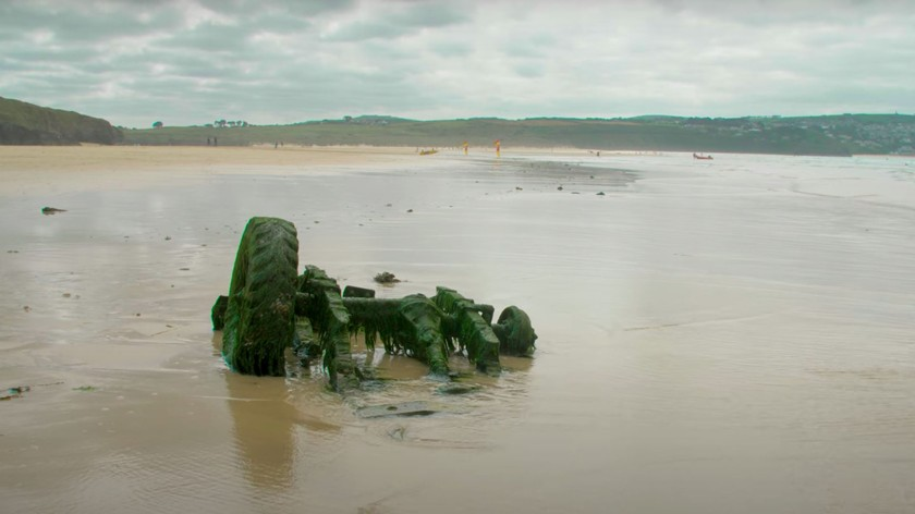 Land Rover затонул на пляже 30 лет назад: вот что с ним стало - автоновости