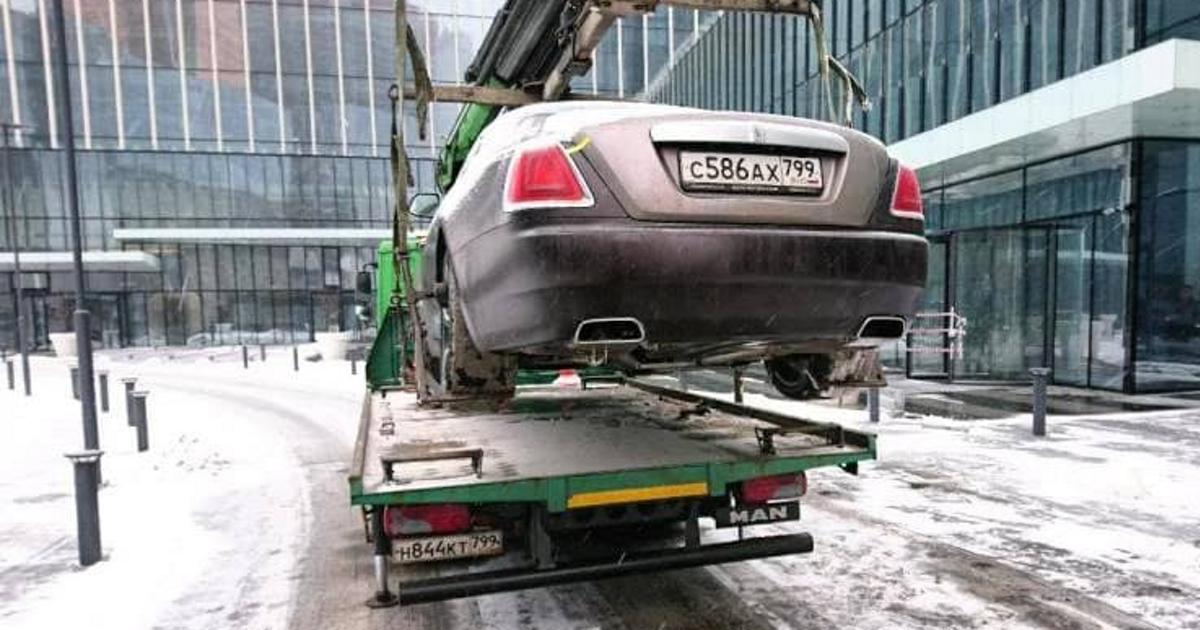 Владельцы каких люксовых авто чаще нарушают правила парковки - автоновости