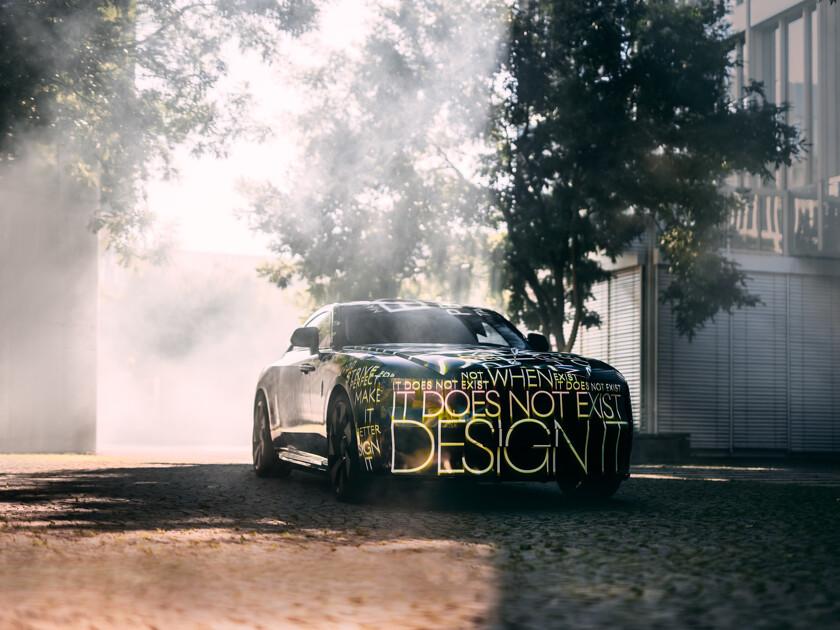 Названа дата премьеры нового электромобиля Rolls-Royce - автоновости
