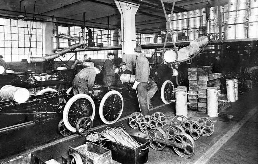 изобрел конвейер 1913